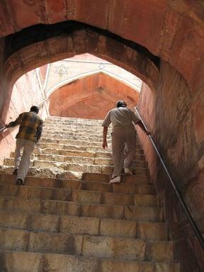 Walking up to Humayun's Tomb