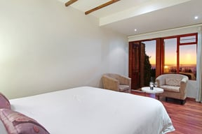Bed And Breakfast Room At Lalapanzi Lodge
