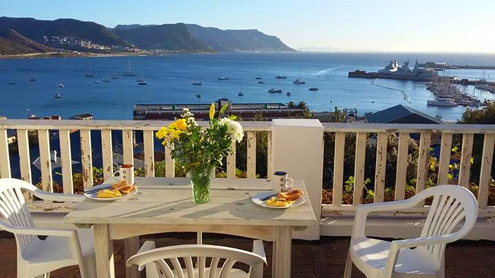 Breakfast with a view of Simon's Town harbour