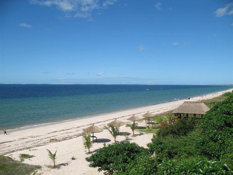 Inhassoro Beach